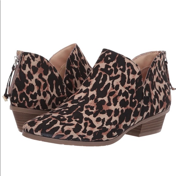 Kenneth Cole REACTION Side Way Bootie